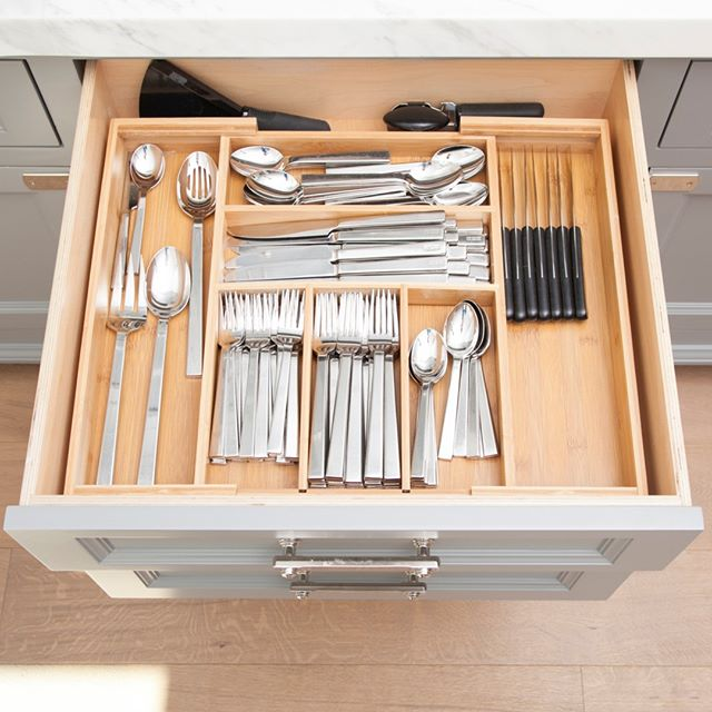 Dividers and compartments like these are crucial for keeping your cutlery collection under control! #kitchensbynancy⠀⠀⠀⠀⠀⠀⠀⠀⠀ .⠀⠀⠀⠀⠀⠀⠀⠀⠀ .⠀⠀⠀⠀⠀⠀⠀⠀⠀ .⠀⠀⠀⠀⠀⠀⠀⠀⠀ .⠀⠀⠀⠀⠀⠀⠀⠀⠀ . ⠀⠀⠀⠀⠀⠀⠀⠀⠀ #organizedlife #myorganizedlife #organizationtips #tipsandtricks #homethings #homeorganization #myorganizedkitchen #myorganizedhome #getorganized #organizedhome #declutter #smallspacesquad