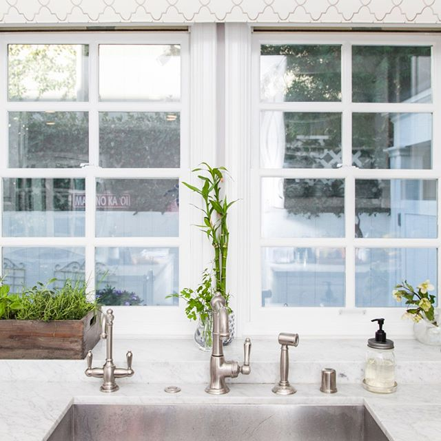 Bright, clean & fresh - just how every Monday should start! #kitchensbynancy