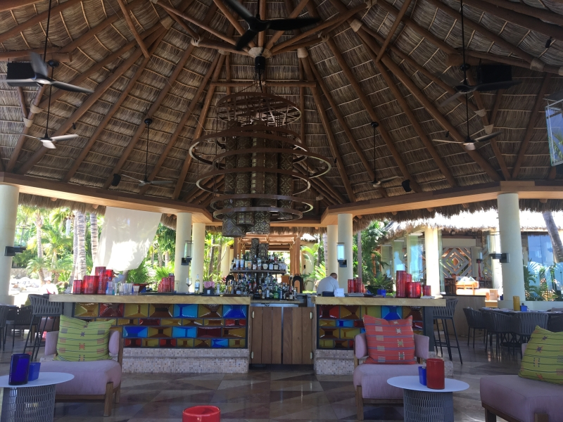 Agua by Larbi Bar and Restaurant