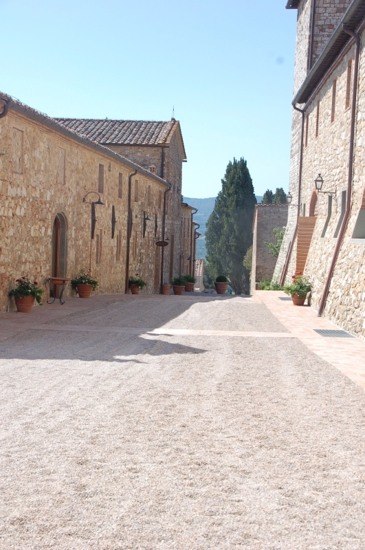 Walkway to Essere Spa
