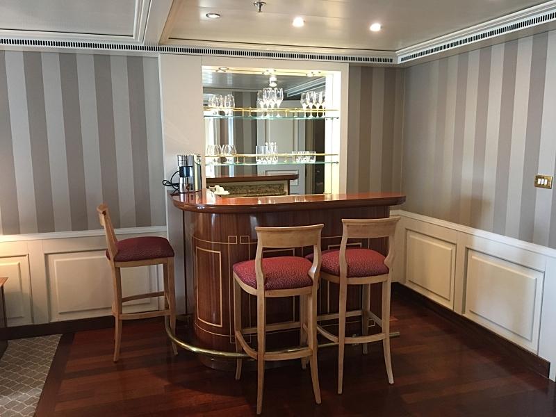 Grand Suite Bar
