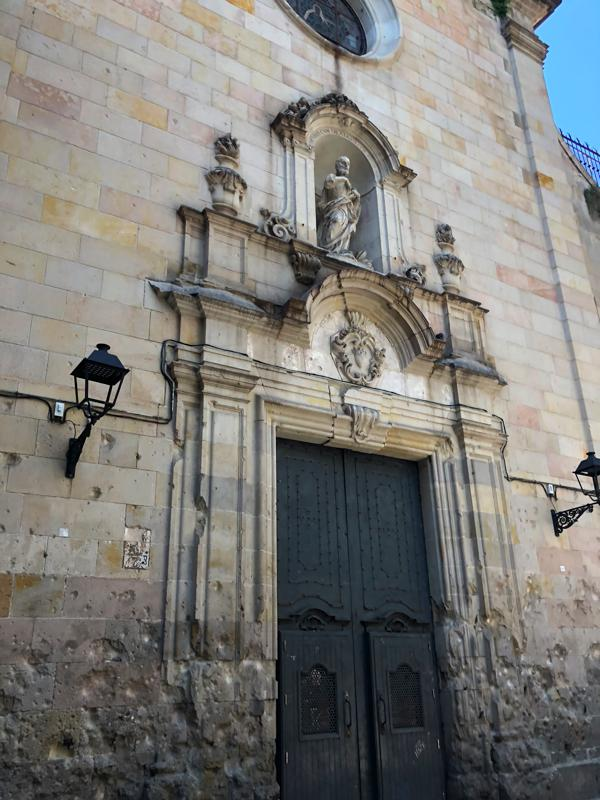 Church ins Placa de Sant Felip Neri