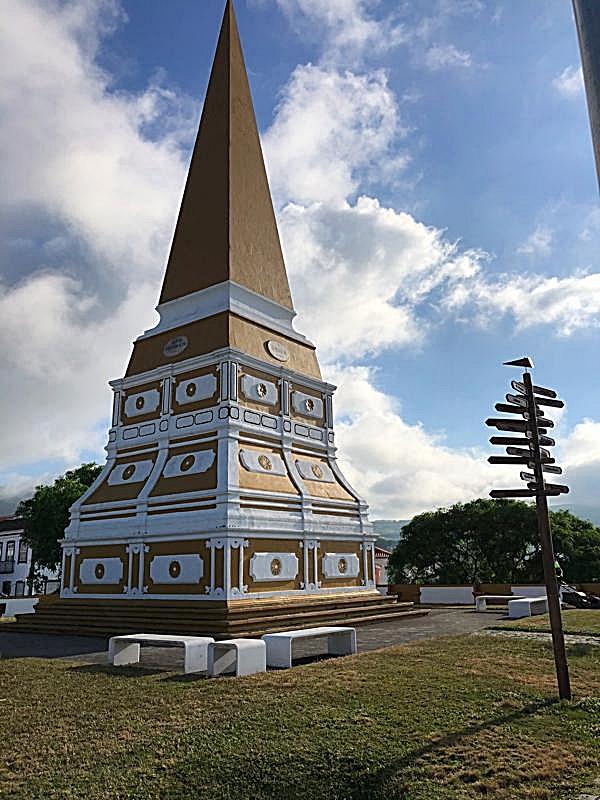 Obelisco do Alto da Memoria