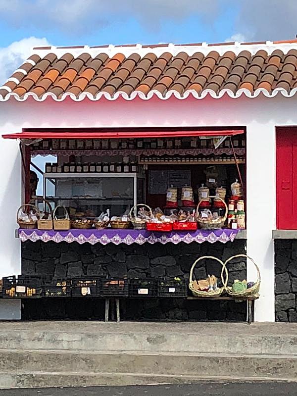 Shops at Praia do Biscoitos