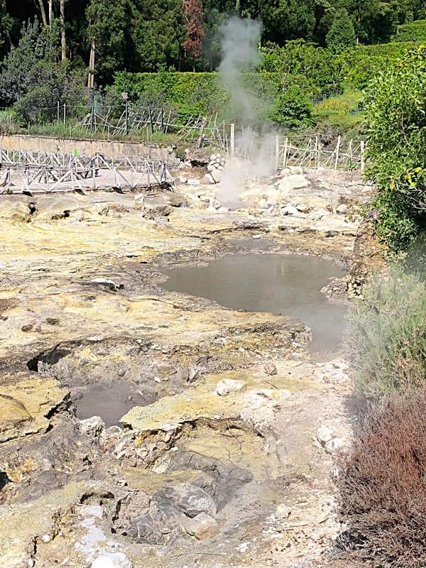 Mudholes at Lagoa das Furnas