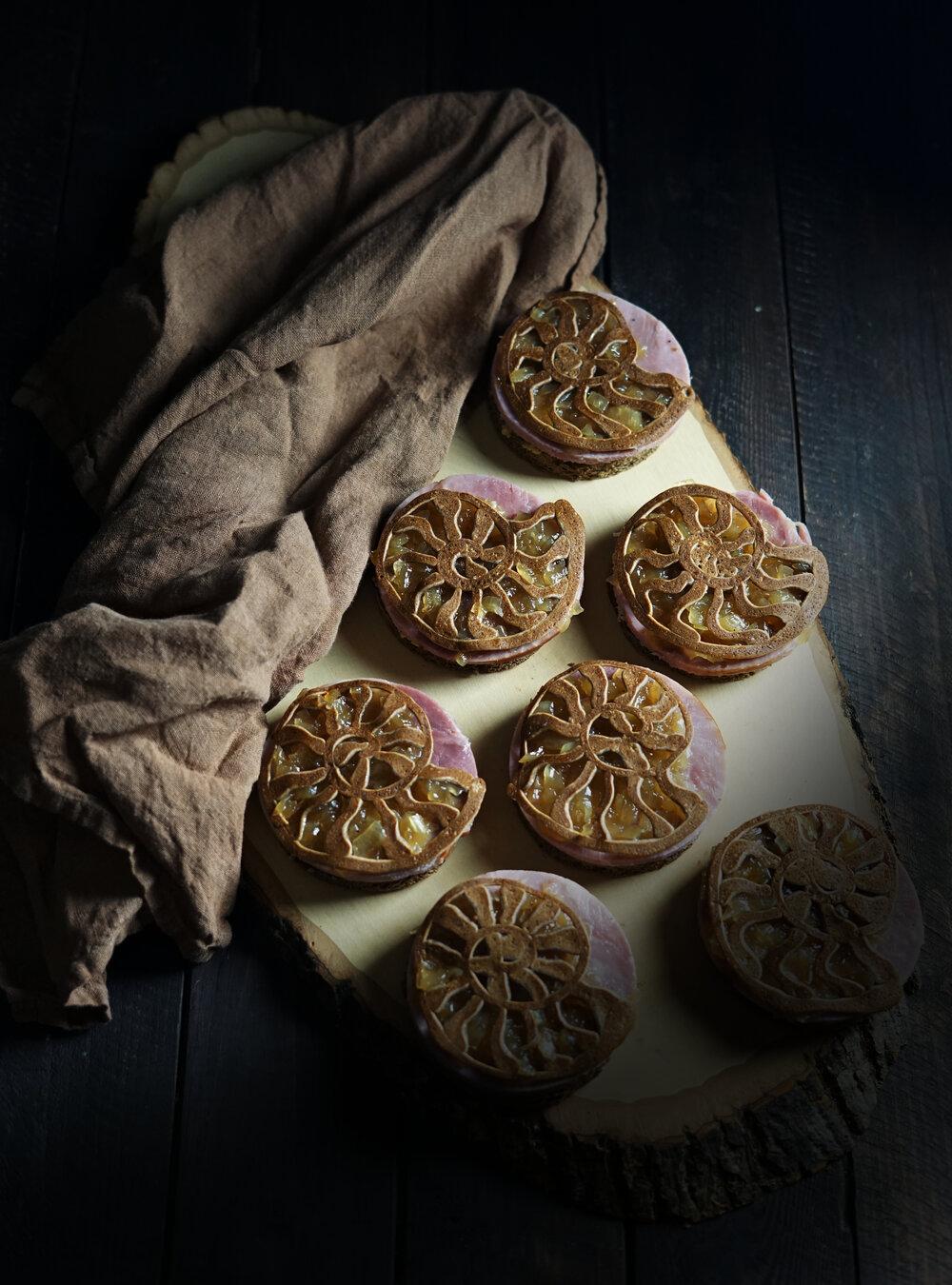 (H)Ammonite Sandwiches with Yarrow Onion Jam