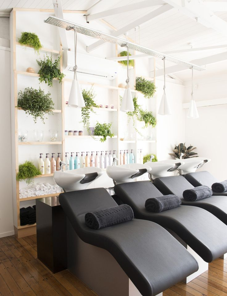 68b8b25c2a04bf564d06503342f5ab4f--dream-salon-ideas-hair-salons-ideas.jpg