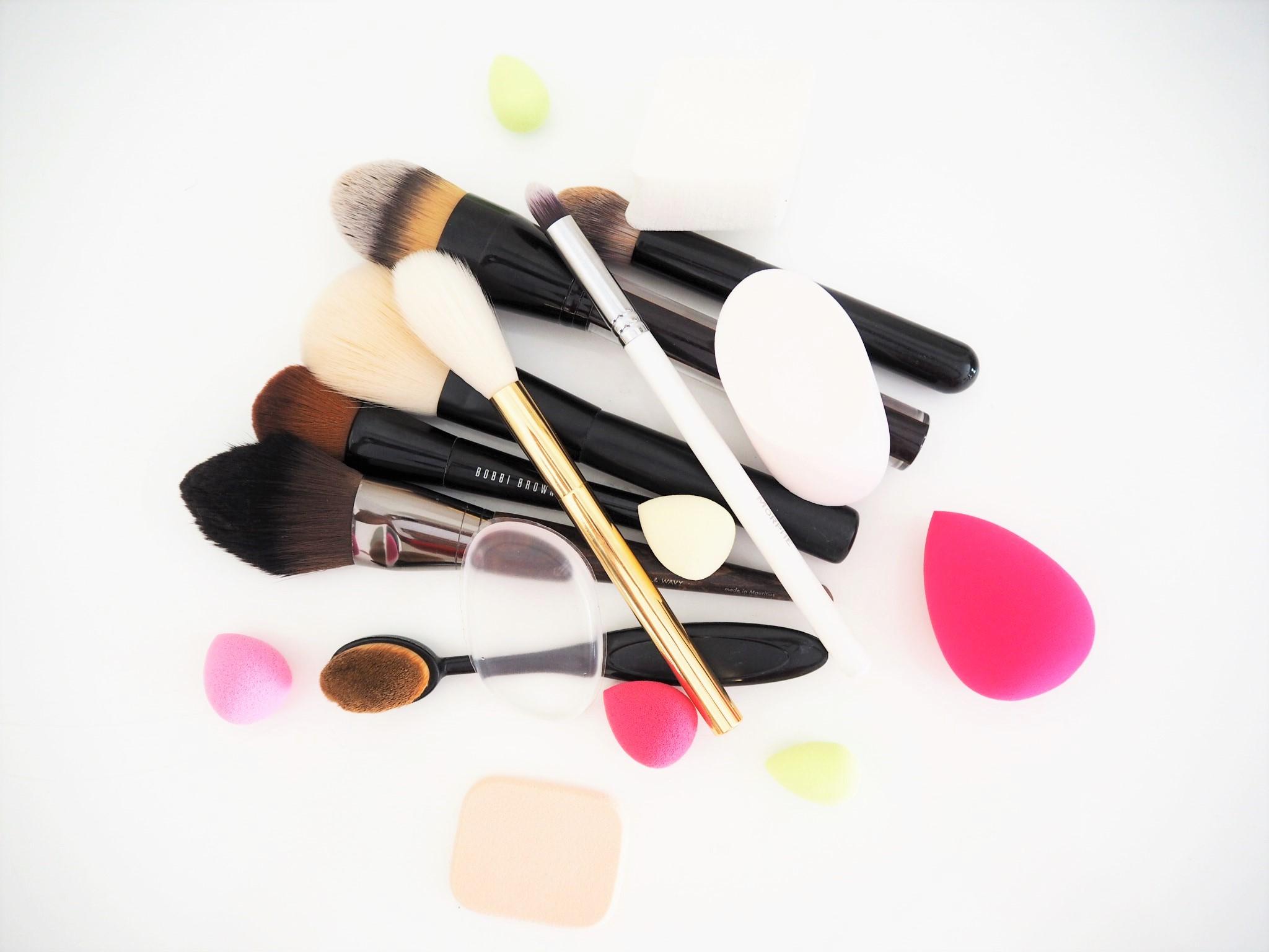 Makeupbrushestop.jpg