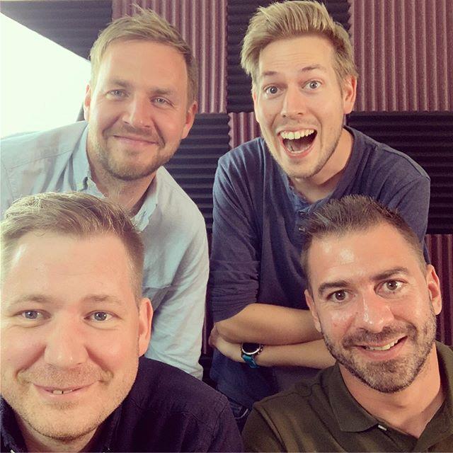 Sesong 2 av Stig og Jørund snakker med får en heidundrende start med Henrik Singsdal og Andreas Ven Langø i studio. Vi snakker om spelet i Wesselgården, OL og masse mer. Episoden ligger ute nå. #moltubakkpedersenmedia #podkast #podcast #hemne #kyrksæterøra #stigogjørundsnakkermed