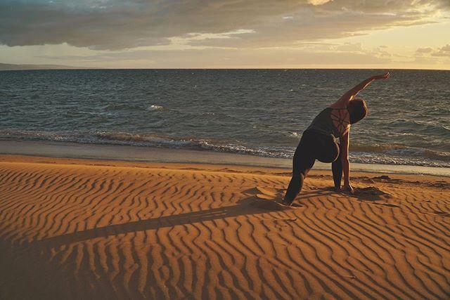 @the_professional_amateur has the eye for good photos.... that golden hour light doesn't hurt either 🙌🏼. This Friday I'm teaching the 5:30pm hot vinyasa at @expandyogatacoma, see you there y'all #yoga . . .  #yogaeverydamnday #yogi #yogalove #yogainspiration #namaste #yogaeverywhere #yogagirl #yogachallenge #yogalife #igyoga #yogini #yogapractice #meditation #yogapose #yogaeveryday #instayoga #practiceandalliscoming #yogajourney #asana #yogagram #yogadaily #yogaaddict #yogisofinstagram #yogateacher #yogainstructor #expandyoga
