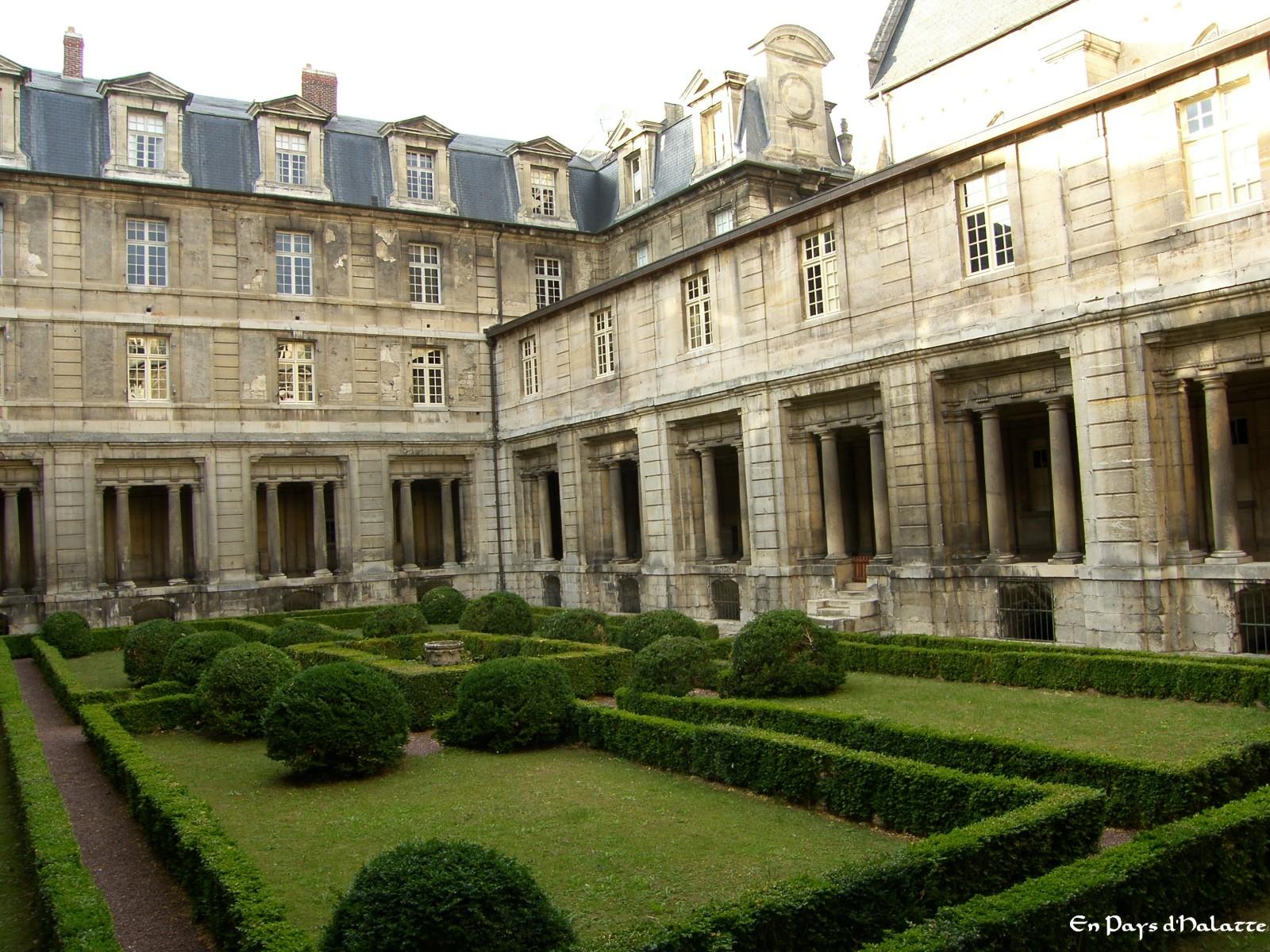 Abbaye jardin-1.jpeg