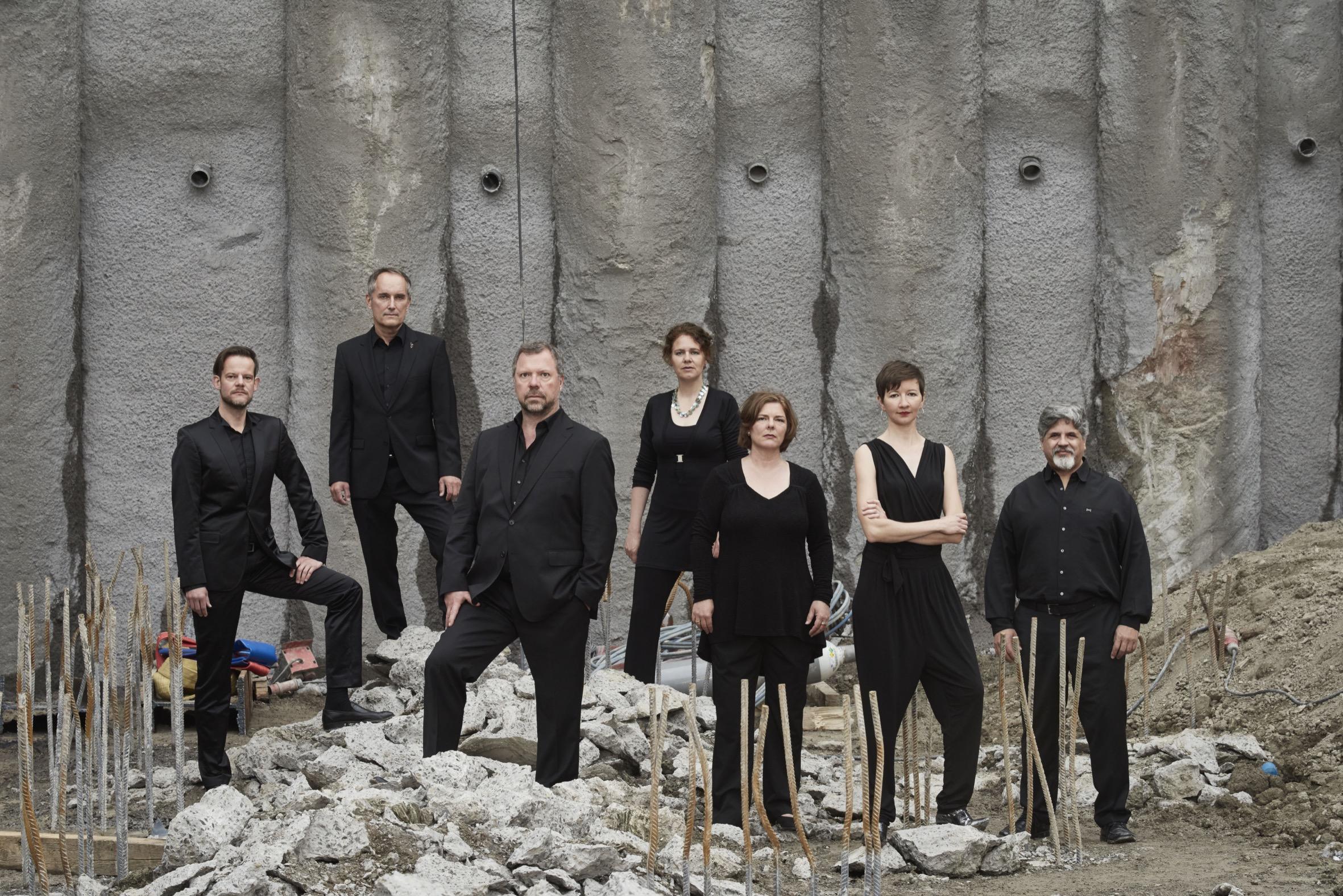 Neue Vocalsolisten Stuttgart _ Foto de Martin Sigmund