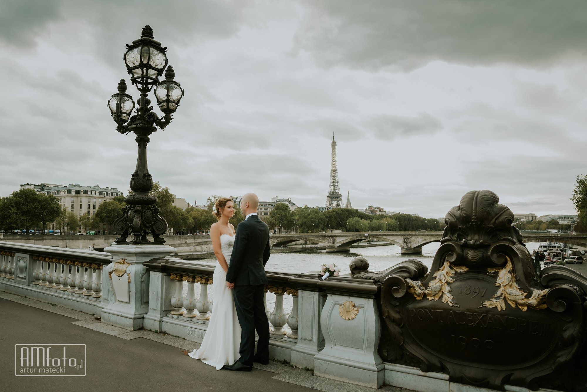 0257_Izabela&Olivier_plener_slubny_sesja_poslubna_francja_paryz____www-amfoto-pl__AMF_8651.jpg