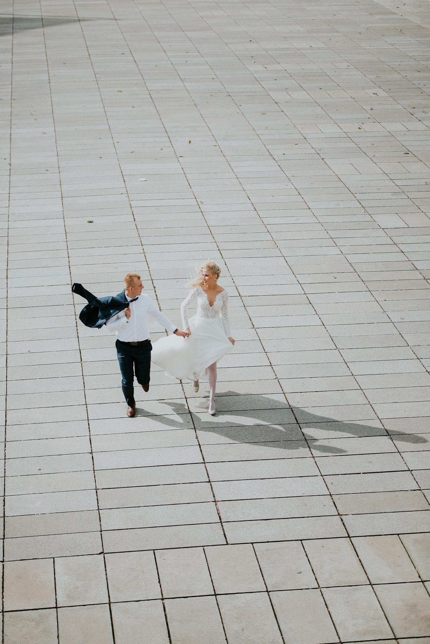 0585_Sara&Sebastian________sesja_poslubna_czechy_praga_most_karola_hradczany_fotografia_slubna_www_amfoto_pl_DSC_2032.jpg