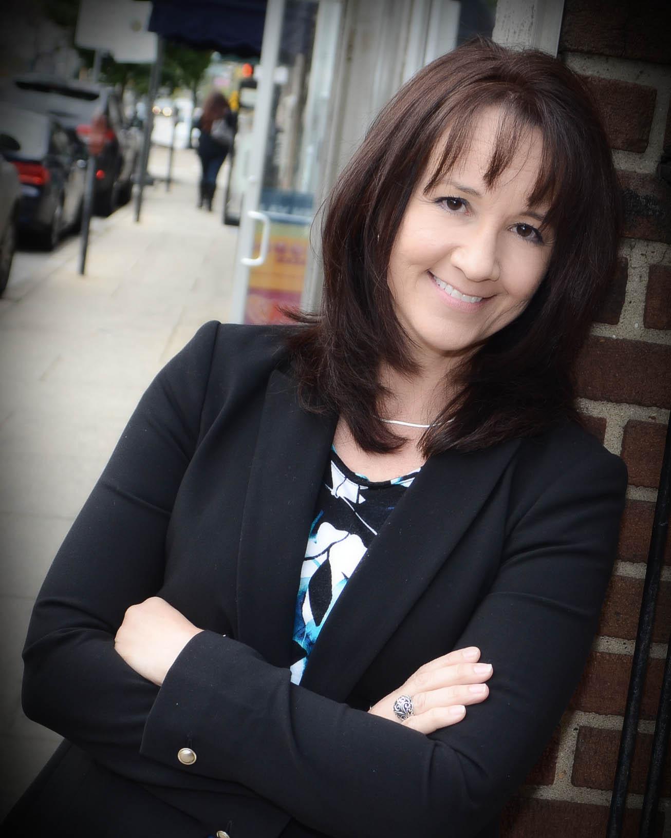 LISA HANNUM, Founder - ZLa, LLC.     MBA, MSIS, Lean Sigma Black Belt, Pro-SCI Change Management