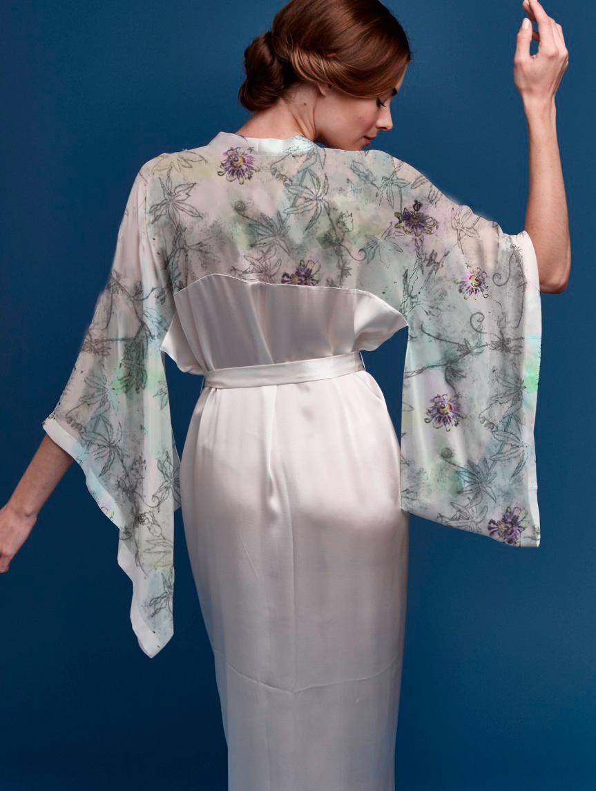 Kimono with Passiflora Light section
