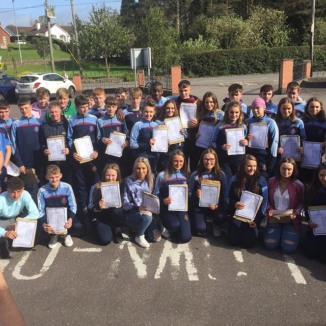 Huge Congratulations to the Junior Cert class of 2019 who received their results earlier today. Well done everyone on your fantastic results! 📚👨🏼🎓👩🏼🎓