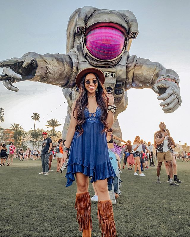 Throwback to Coachella because this dress is too cute to be only posted once! 🎡👨🏻‍🚀🌵 Comes in 7 different colors and I can't wait to style it for summer 🙌🏻🤗 @liketoknow.it #liketkit http://liketk.it/2Cx5c #houstoninfluencer #tbt #houstonblogger