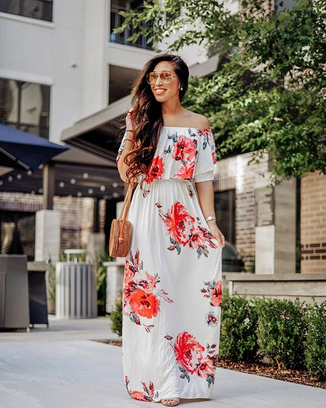 Happy Father's Day to all of the incredible Dad's out there including both of my mine! Don't forget all of the dog dads too 🤗 Celebrated today in this cute floral maxi! So soft and versatile and under $50! http://liketk.it/2CBuE #liketkit @liketoknow.it #houstonblogger #houstoninfluencer #shopthemint