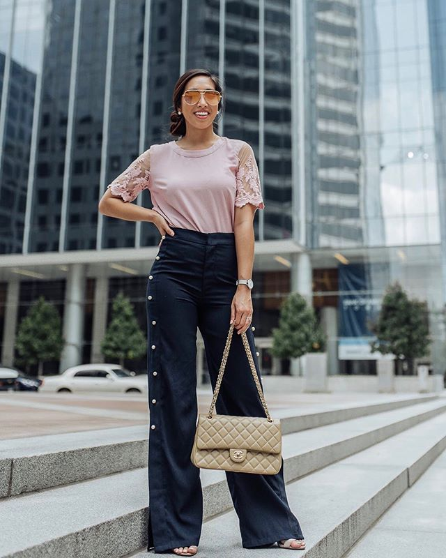 Another #workwearwednesday look that is comfy but chic! 🤗 My top from @lulus comes in 5 colors and is on sale today! Use the code : YAYTOPS20 I'm wearing a small! #lovelulus #lulusambassador #houstonblogger #officestyle