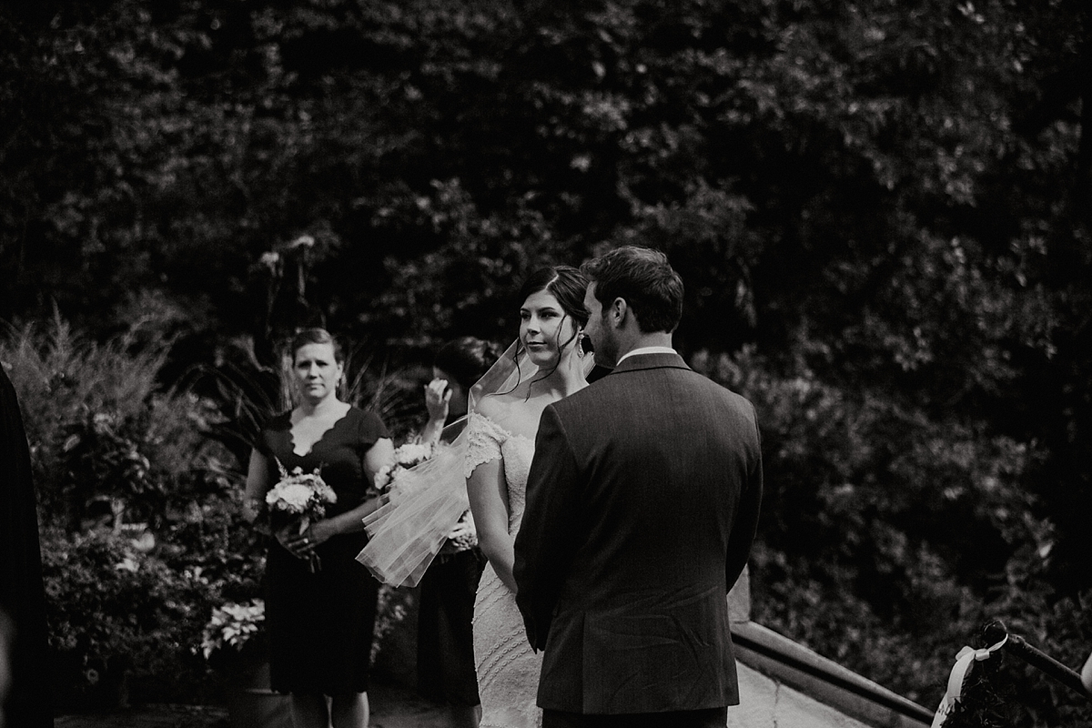 Milwaukee-Lake-Park-Bistro-Wedding_0011.jpg