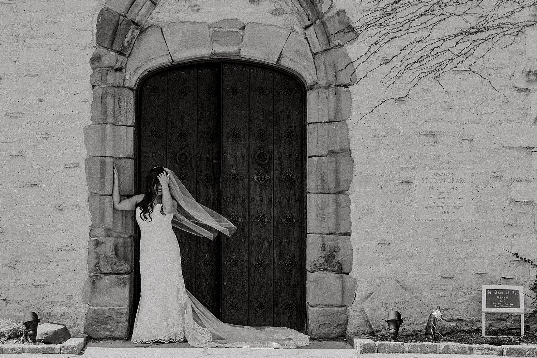 Downtown-Milwaukee-Wedding-Photos_0035.jpg