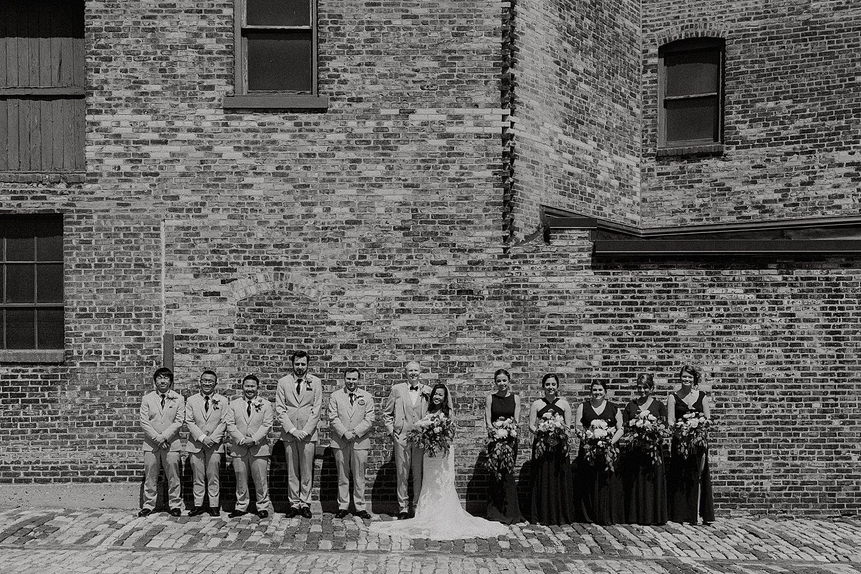 Downtown-Milwaukee-Wedding-Photos_0039.jpg