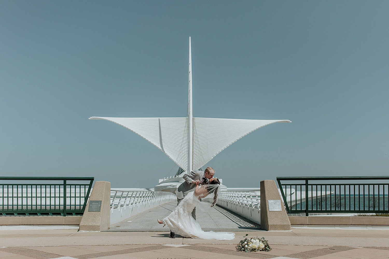 Downtown-Milwaukee-Wedding-Photos_0045.jpg