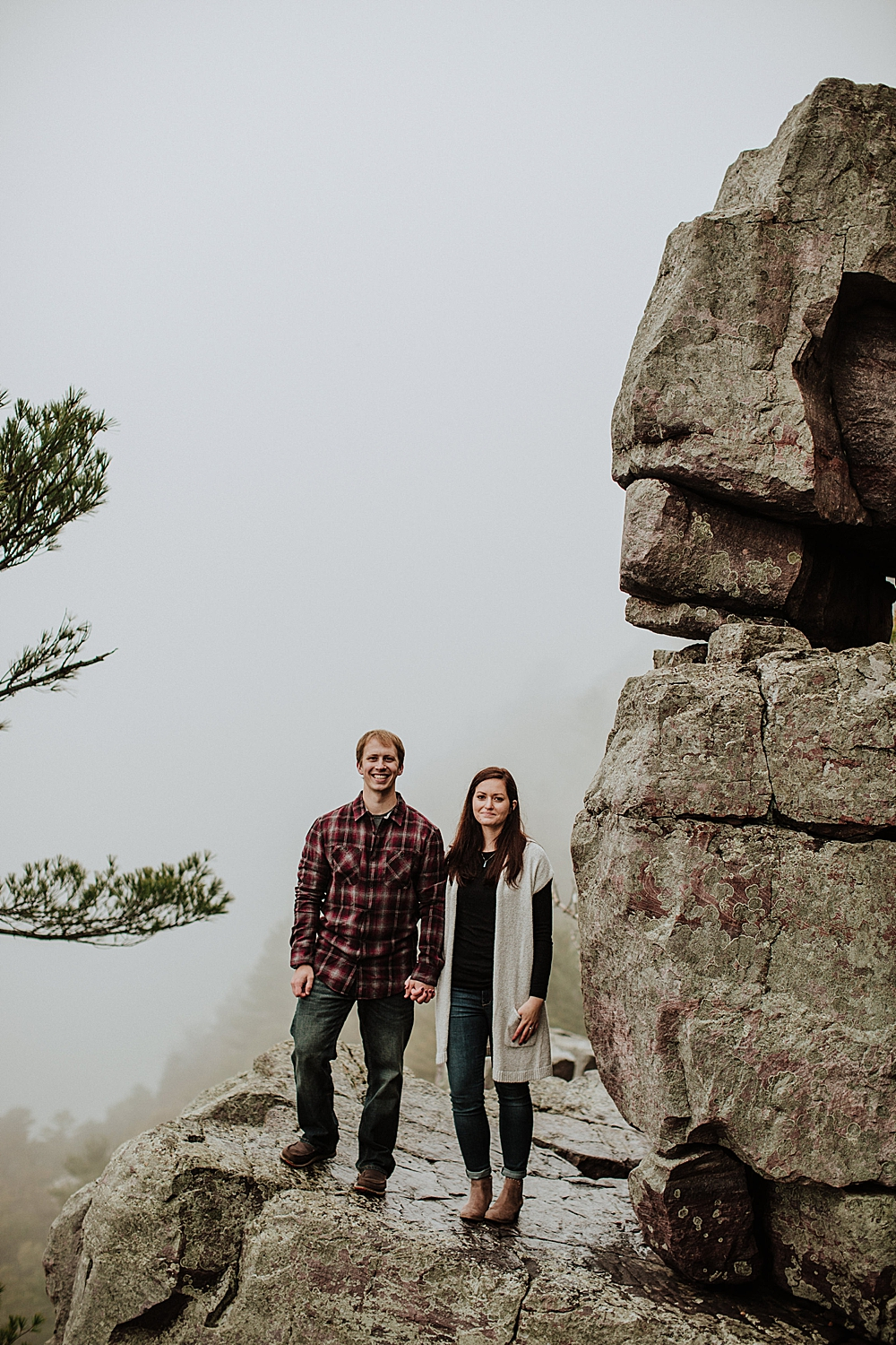 devils-lake-engagement-session_0008.jpg