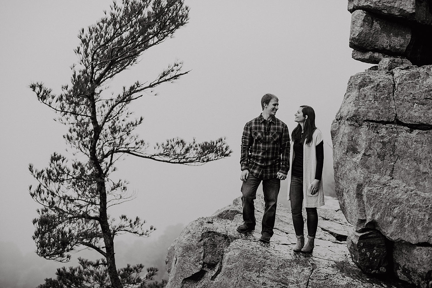 devils-lake-engagement-session_0009.jpg