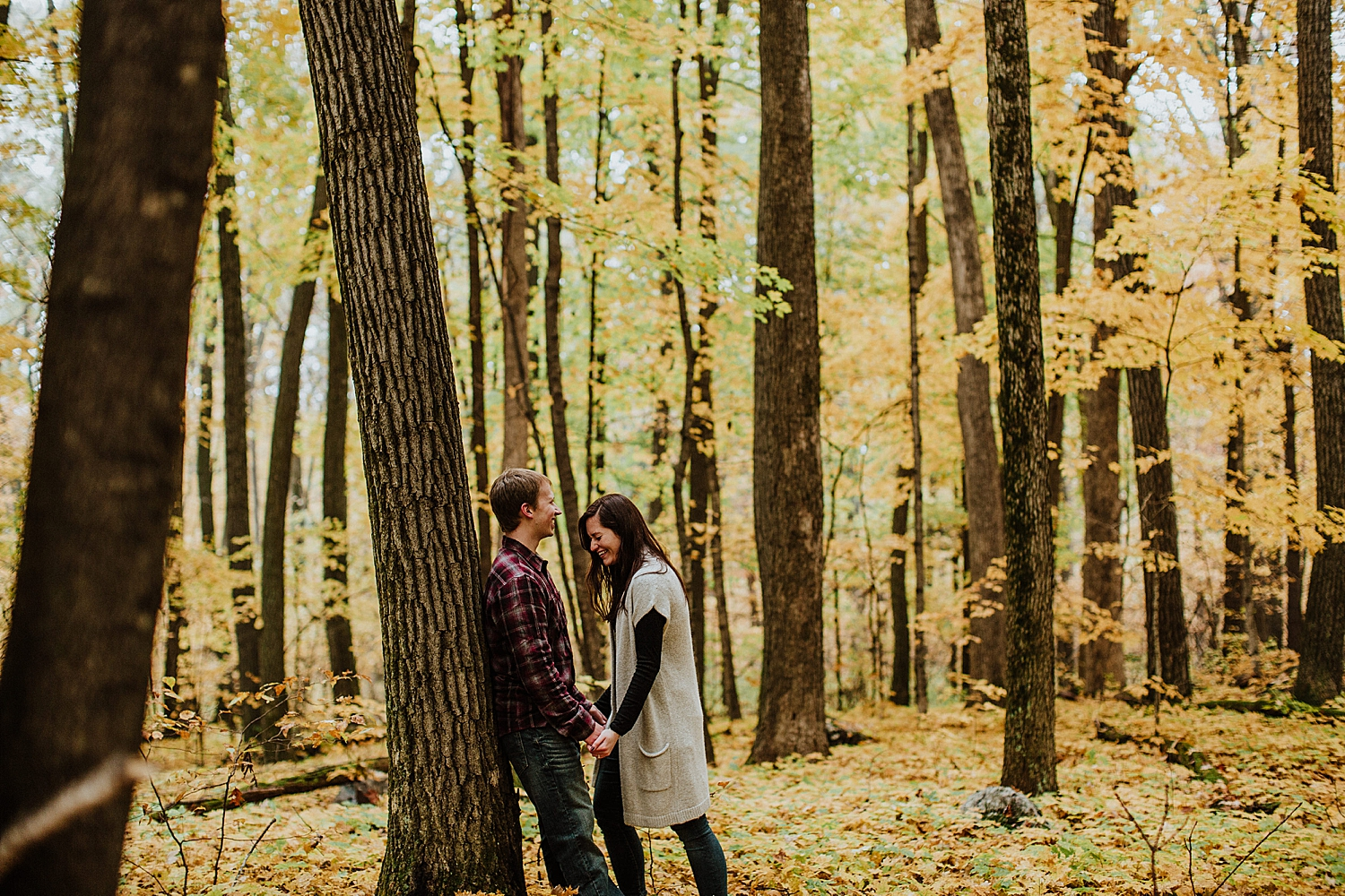 devils-lake-engagement-session_0012.jpg