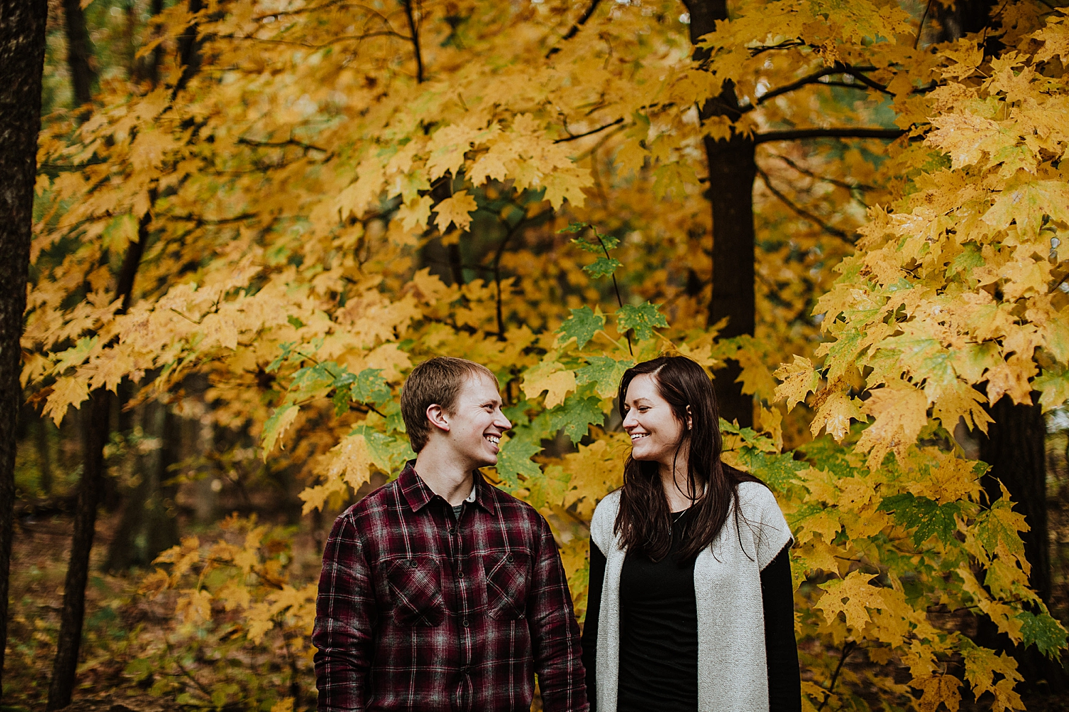 devils-lake-engagement-session_0018.jpg