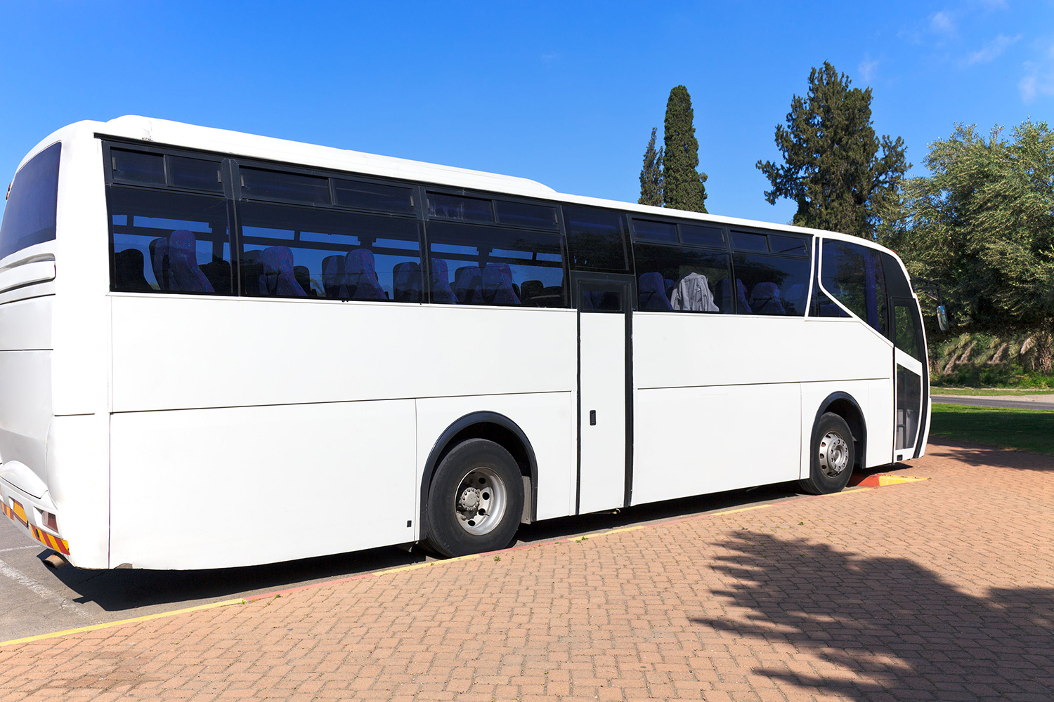 TRANSPORTATION MANAGEMENT   We offer guest and VIP transportation providing the most elegant, economical and reliable solutions for meeting all travel needs. We also provide bi-lingual meet and greet guides for arrival transfers as well as city tours.