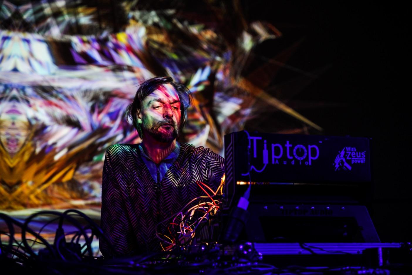 Ricardo-Villalobos.-Live-Mutek-Barcelona-2016.-Vilod-2.jpg