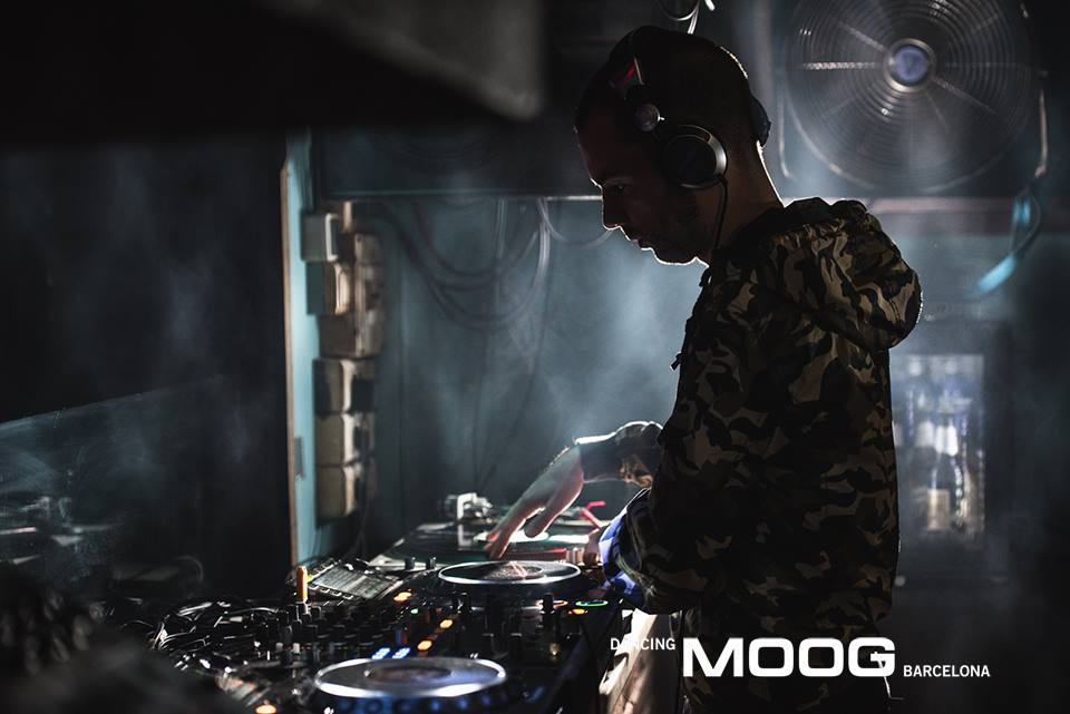 Adrián-Uroz-Moog.jpg