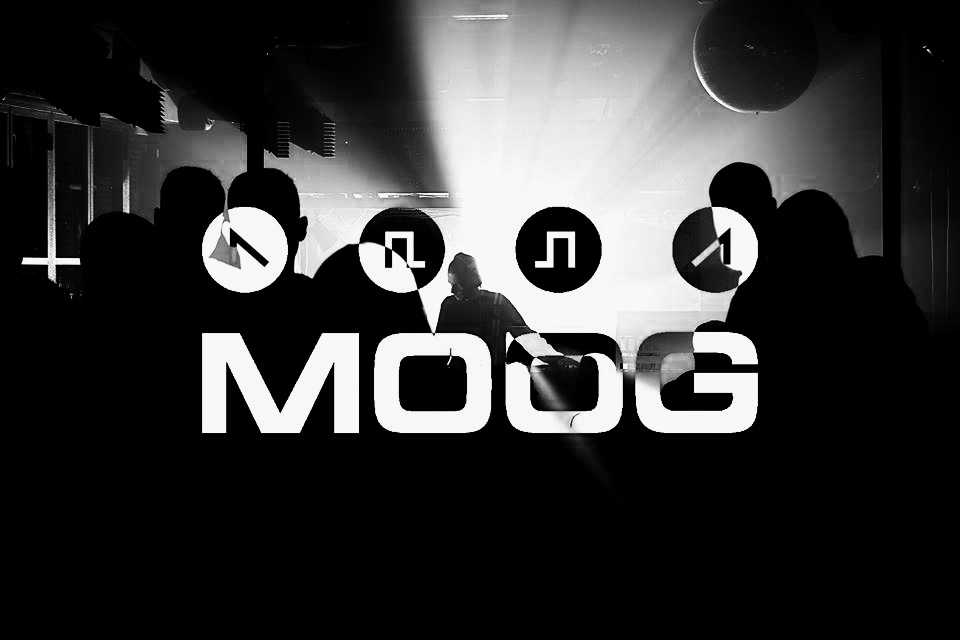 Viernes Noche: Moog - Julia Bondar (live)Carles Saura (live)Rodrigo García
