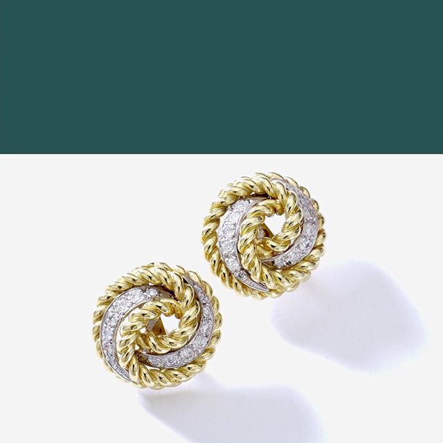 Diamond and Gold Earrings #iskenderian @iskenderian.ch