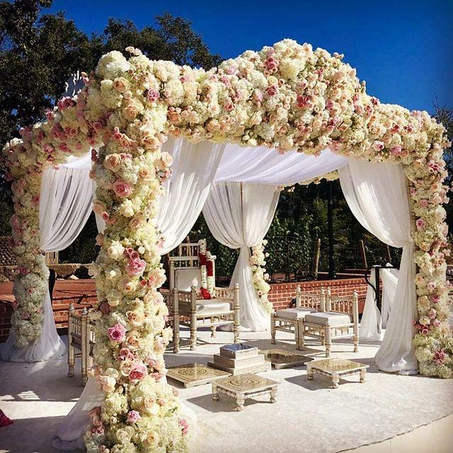 #Love the accessible elegance of this beautiful #mandap. #indianwedding #roses #white #pink #repost @eventdesigners @maciooliveira @flowersbyedgar @finelinencreation @silveradoresort #california