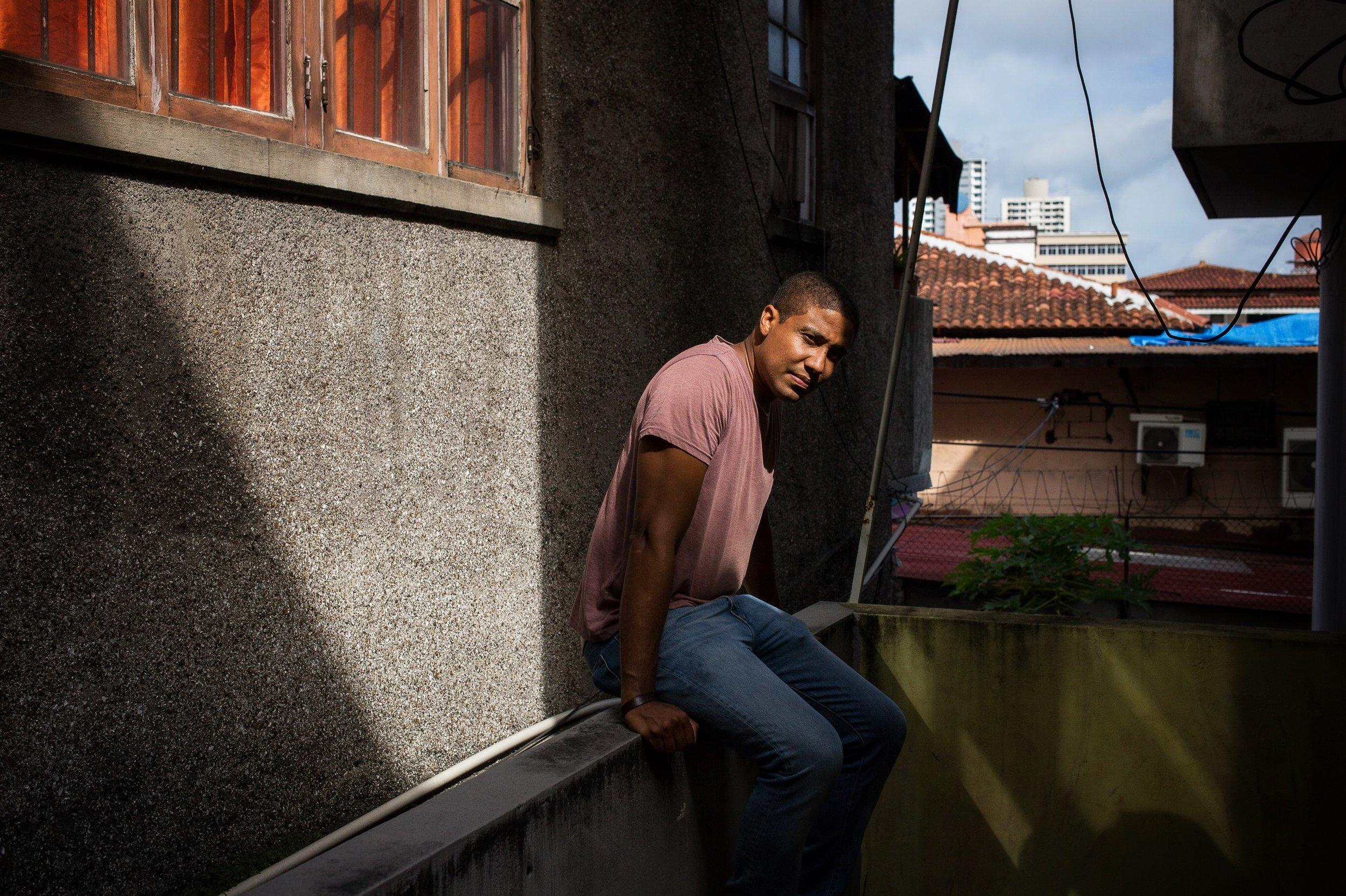 Edwin Hosoomel - somewhere in a city