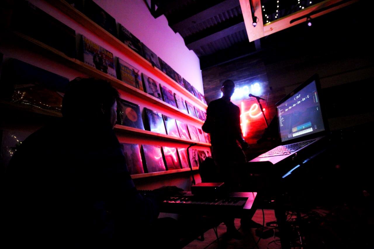 Edwin Hosoomel & Luis Chen - Acoustic Nigth Sessions @ Longplay Panama