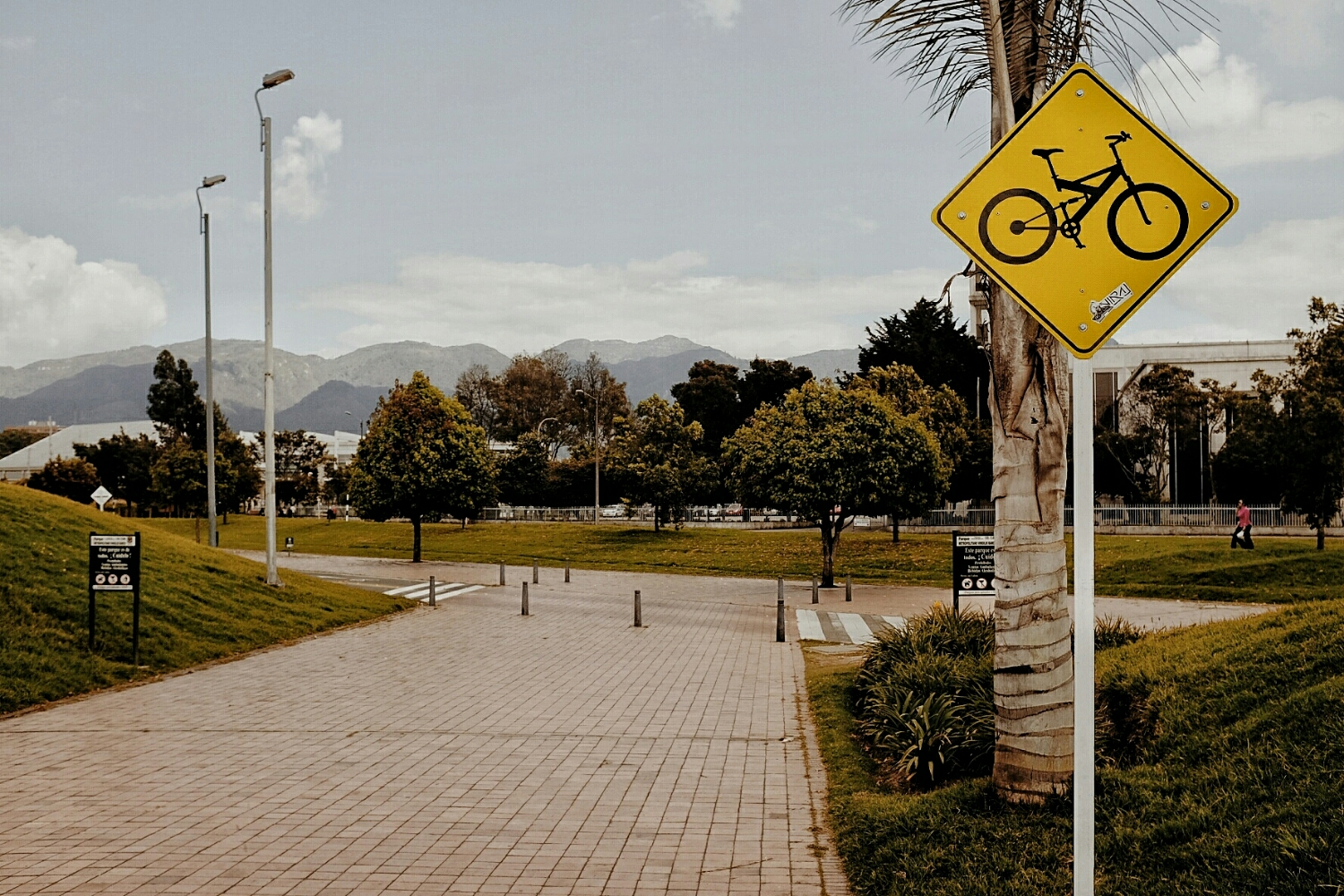 In Bogotá, you have to beware of full suspension bikes.