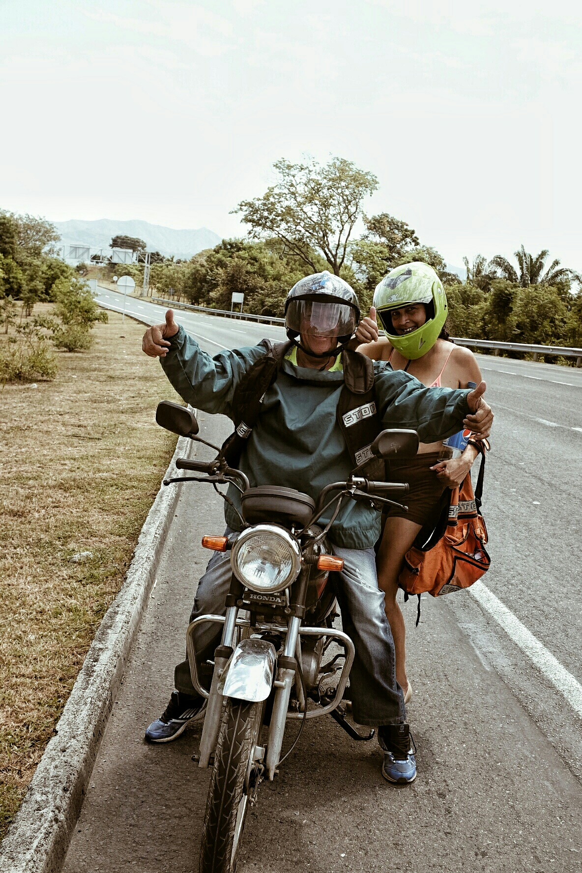 A couple we met on the road. They were doing 450 kilometers on their motorbike on this Sunday.