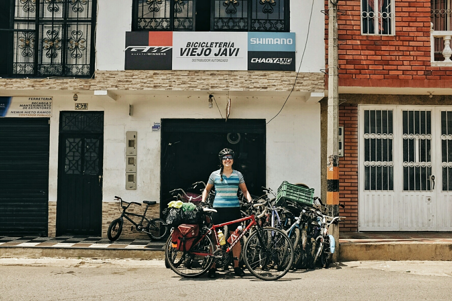 We met a fellow cyclists, Canadian Christina. She had problems with the threading on the crank arm, so we took her to Old Javi, who turned out to be young. Have a nice trip, Christina! Remember patience will compensate for lack of language skills.