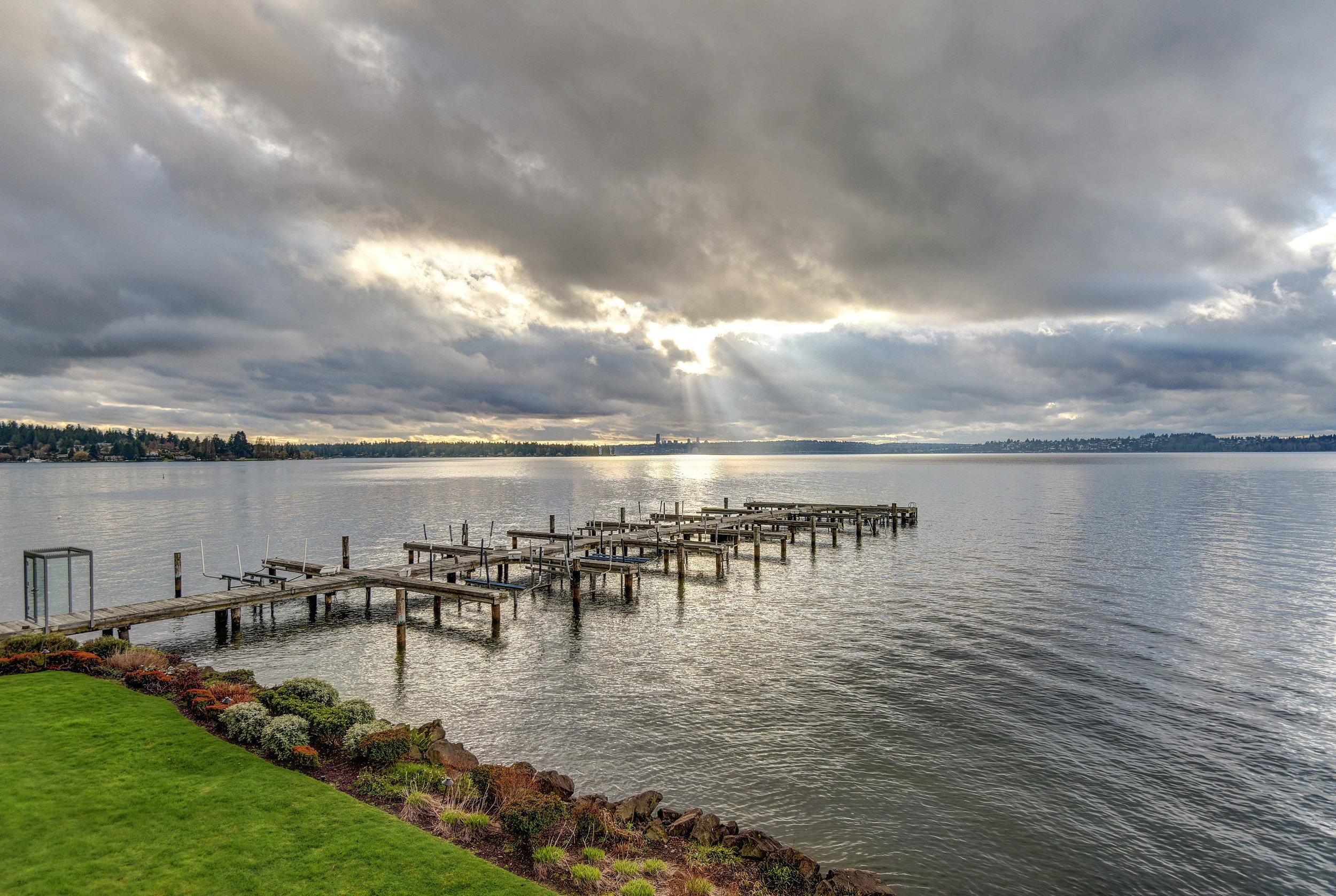 6401 Lake Washington Blvd NE-print-017-15-DENNON 6401AndyK 17-2700x1811-300dpi.jpg