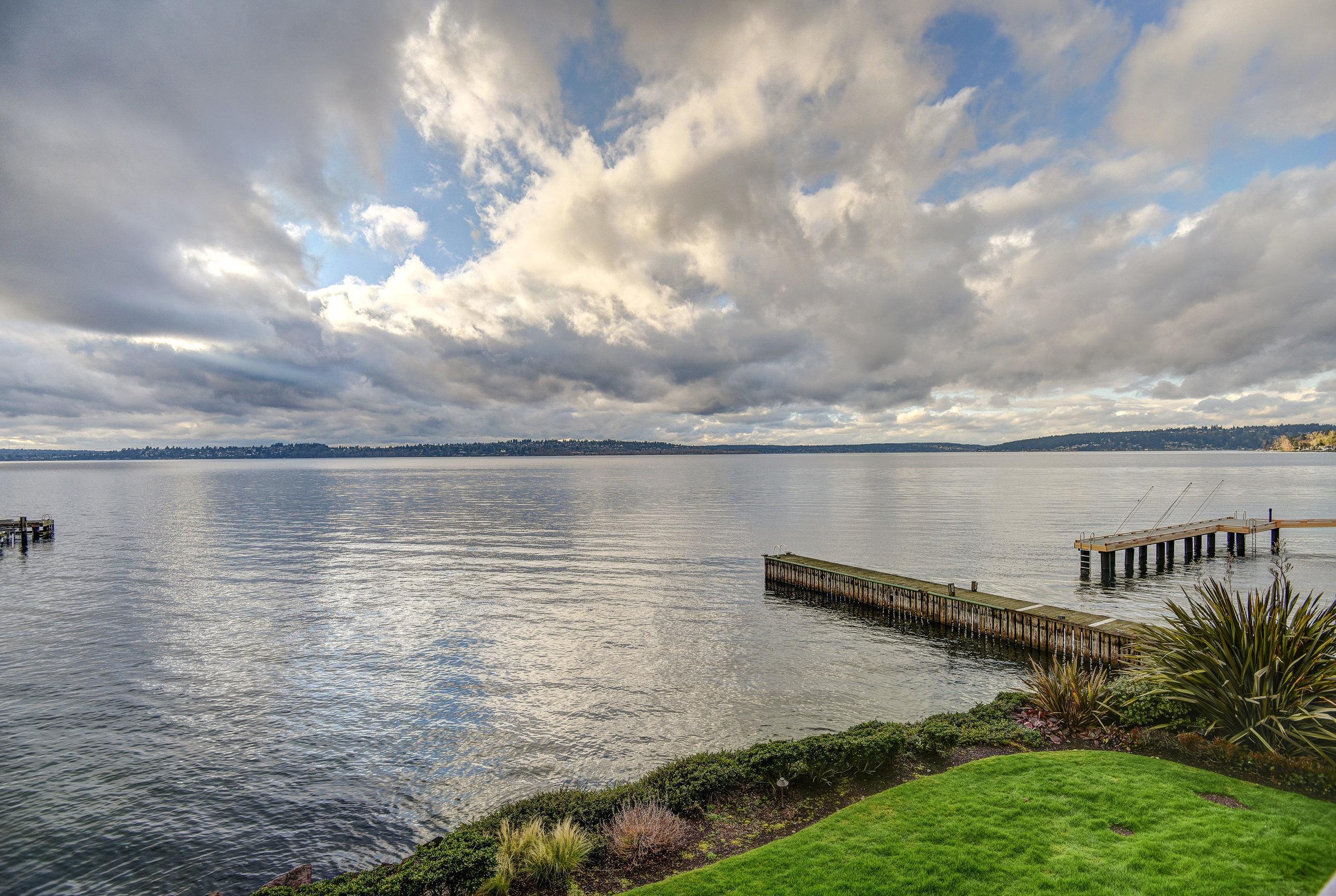 6401 Lake Washington Blvd NE-print-018-18-DENNON 6401AndyK 18-2700x1811-300dpi.jpg