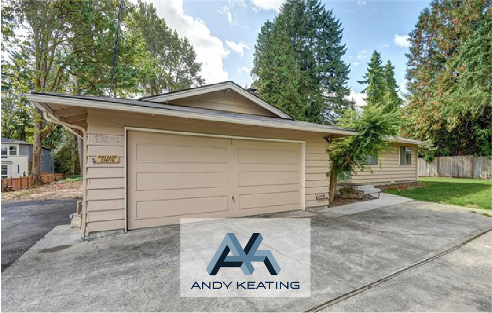 Rose Hill, Kirkland, WA Represented Seller / $630,000 13241 NE 100th St