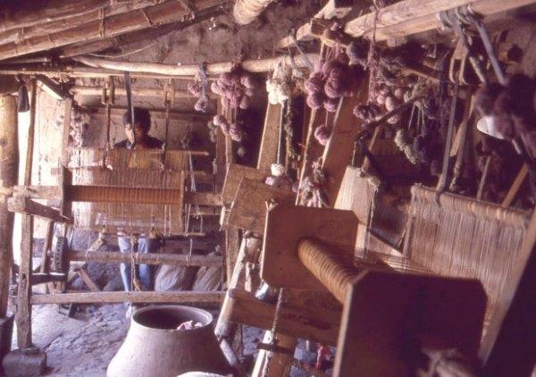 Ciriaco Sosa's family workshop, 1986.