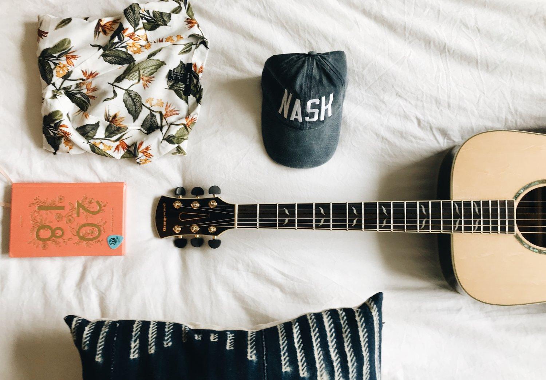 acoustic guitars under $500 -