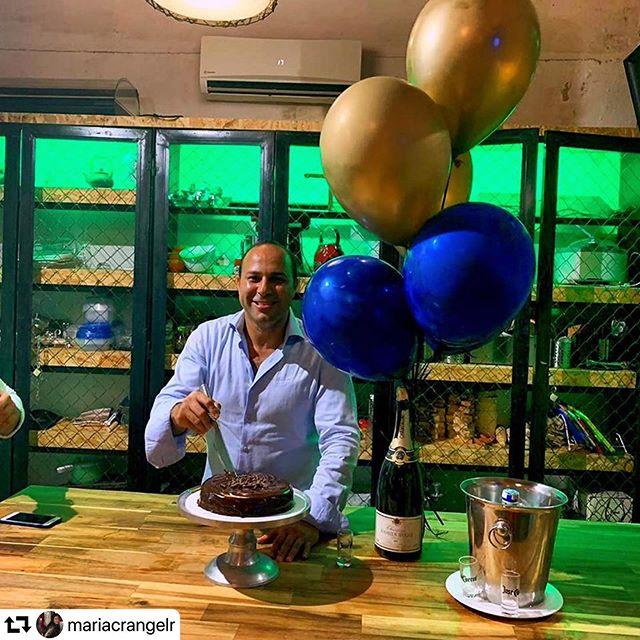 Compartiendo un poco del cumpleaños de #manolo... el quedó fascinado con su experiencia! ... Ven y vivir la tuya con nosotros... Jueves 23 de mayo: cocina española. Viernes 24 de mayo: cocina Italiana