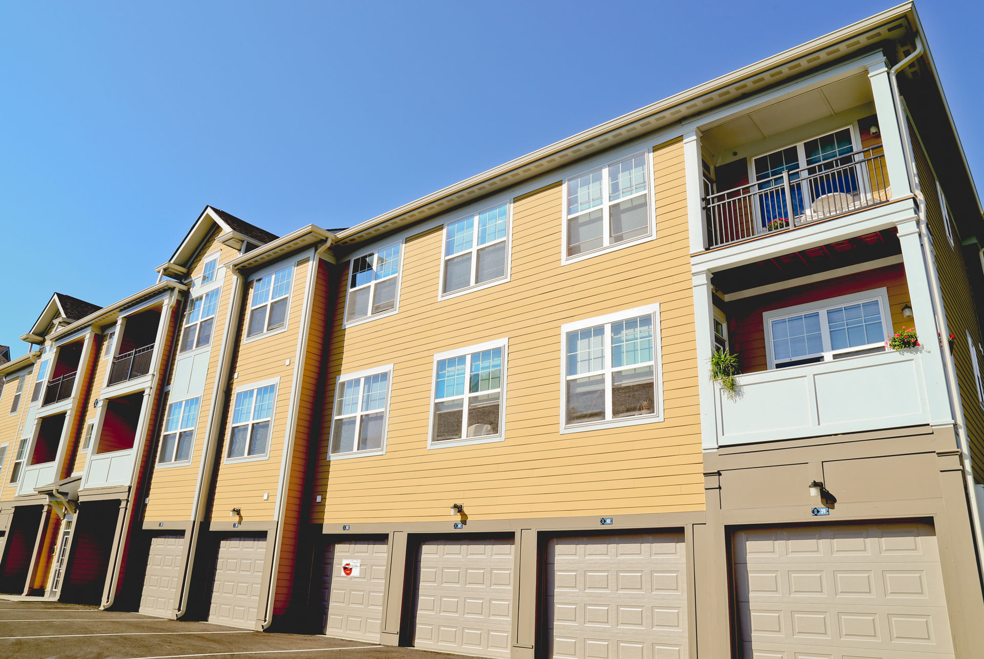 20-Apartments-in-Westfield-Carme-Noblesville-Union-Street-Flats-garages.jpg